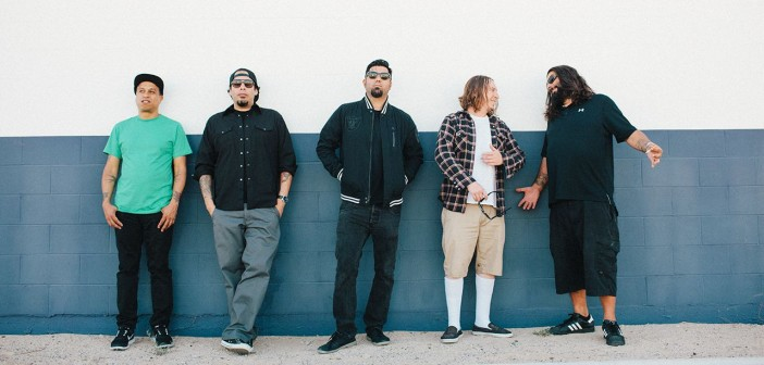 "Deftones cover Drake's ""Hotline Bling"" At Aftershock Festival 2015"