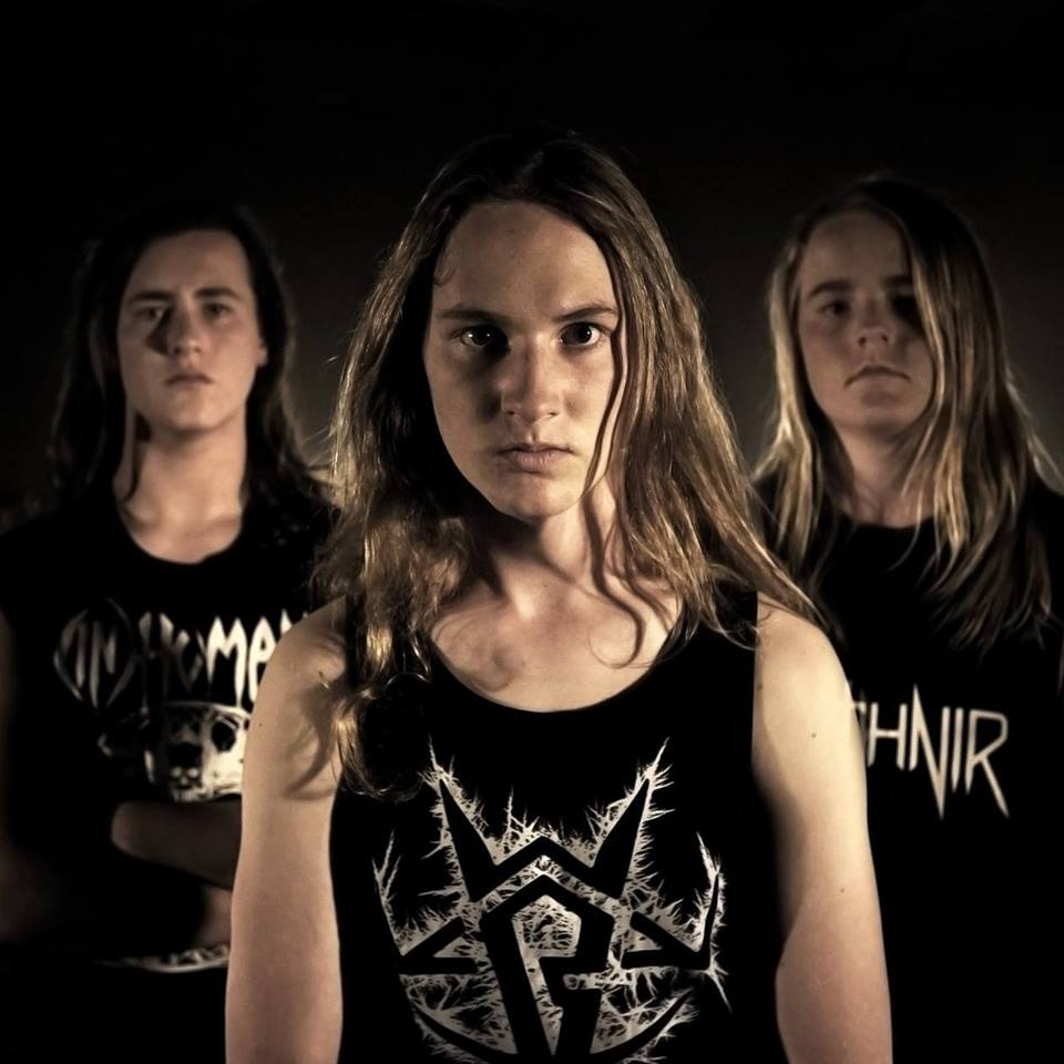 "Lewis de Jong of Alien Weaponry Admits ""When I was younger I did just kind of yell into the mic."""