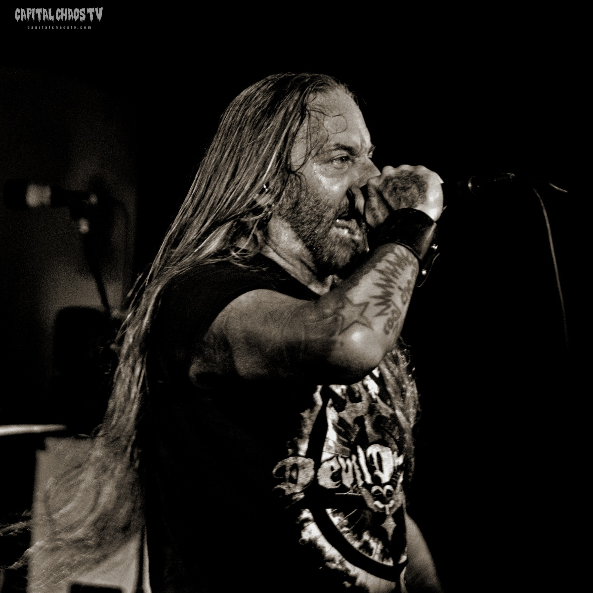 Concert Photo Review: Devildriver at Holy Diver – November 17th, 2018