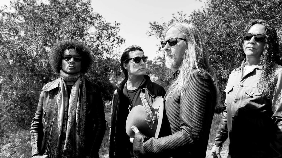 "Alice In Chains Posts New Music Video ""Rainier Fog""Online"